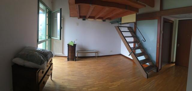 Attico / Mansarda in affitto a Lecco, 2 locali, zona Zona: San Giovanni, prezzo € 600 | CambioCasa.it