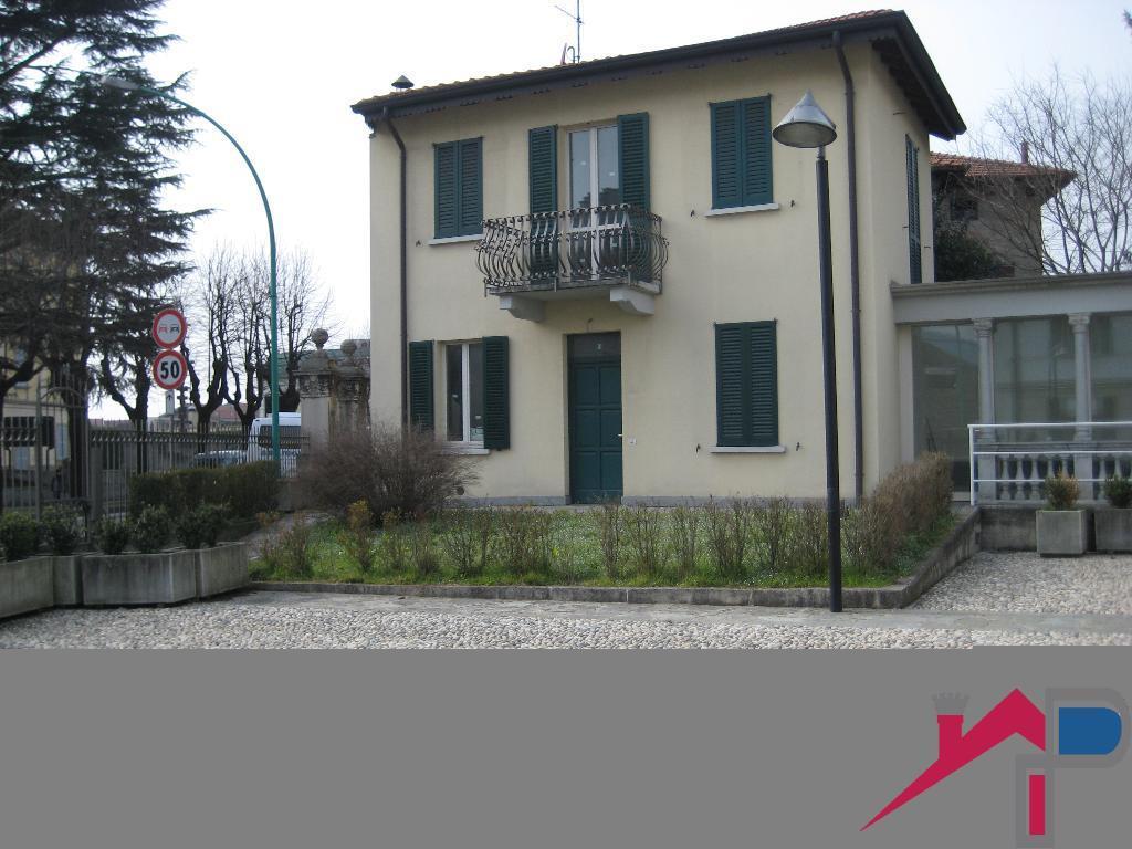 Villa in vendita a Cisano Bergamasco, 4 locali, prezzo € 258.000 | CambioCasa.it