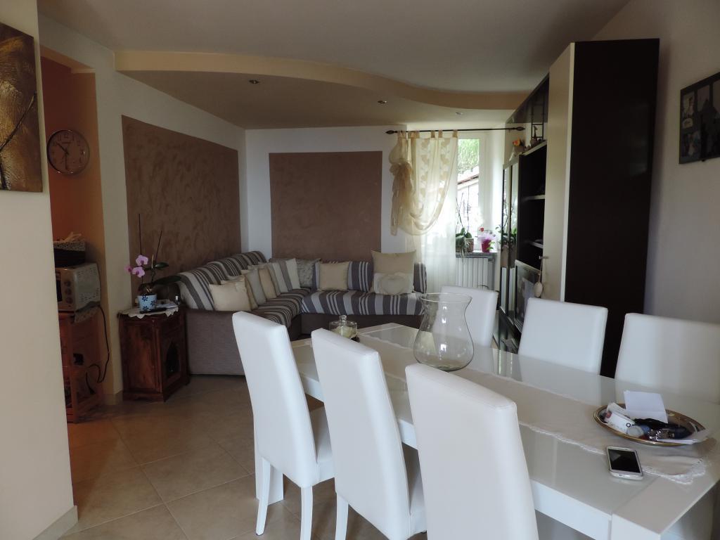 Appartamento in affitto a Carenno, 3 locali, prezzo € 400 | Cambio Casa.it
