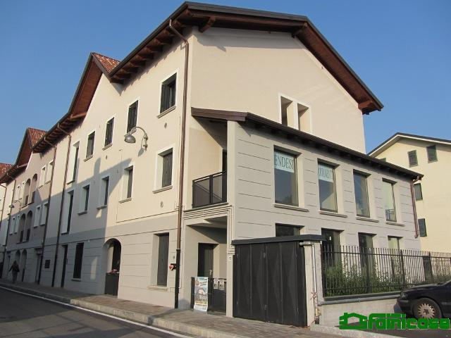 Bilocale Vignate Via Vittorio Veneto 5