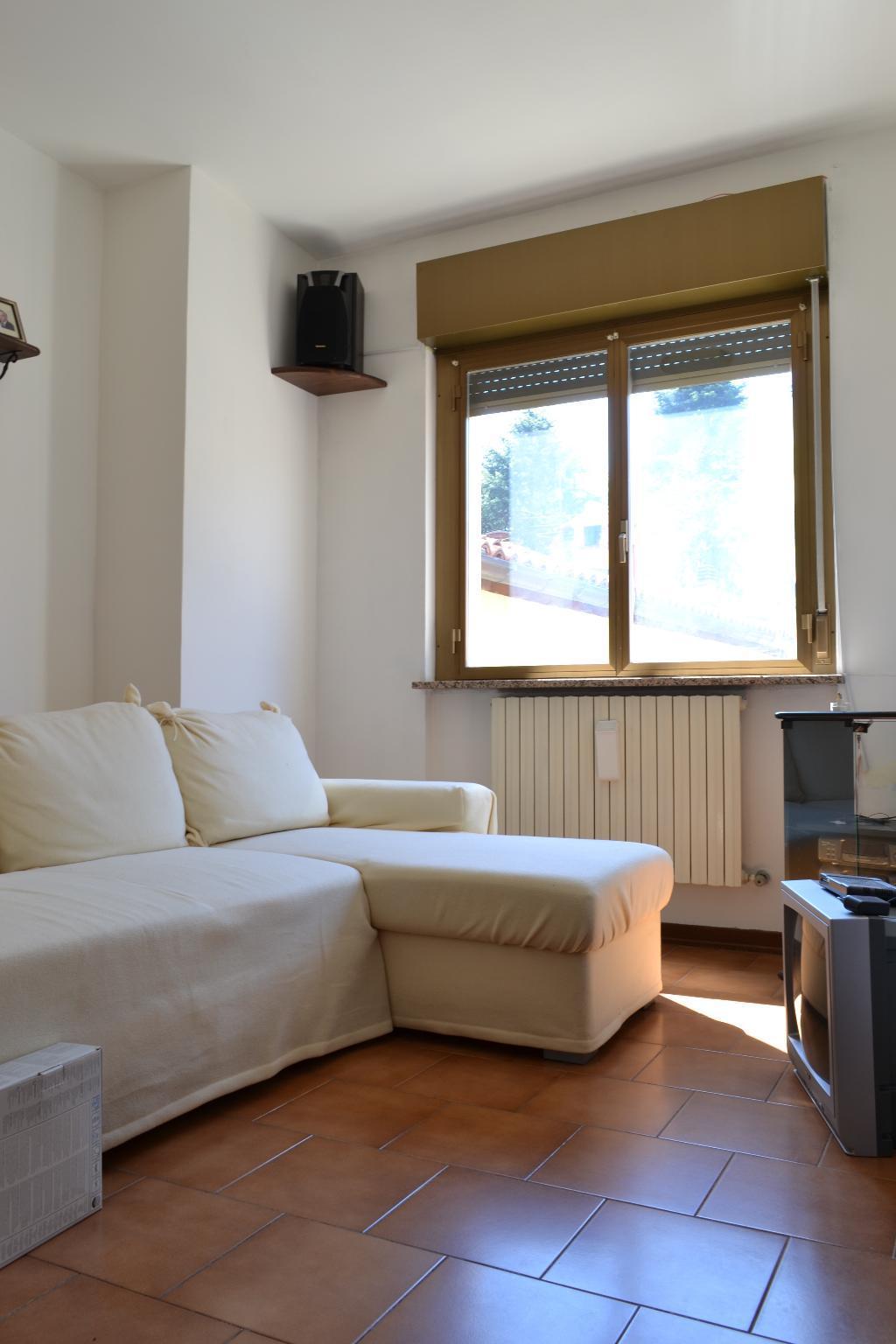 Soluzione Indipendente in vendita a Cisano Bergamasco, 6 locali, zona Località: S. Gregorio, prezzo € 95.000 | Cambio Casa.it