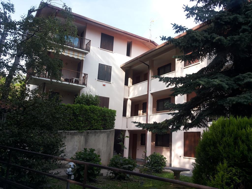 Appartamento in vendita a Ballabio, 3 locali, zona Località: zona centro, prezzo € 145.000 | CambioCasa.it
