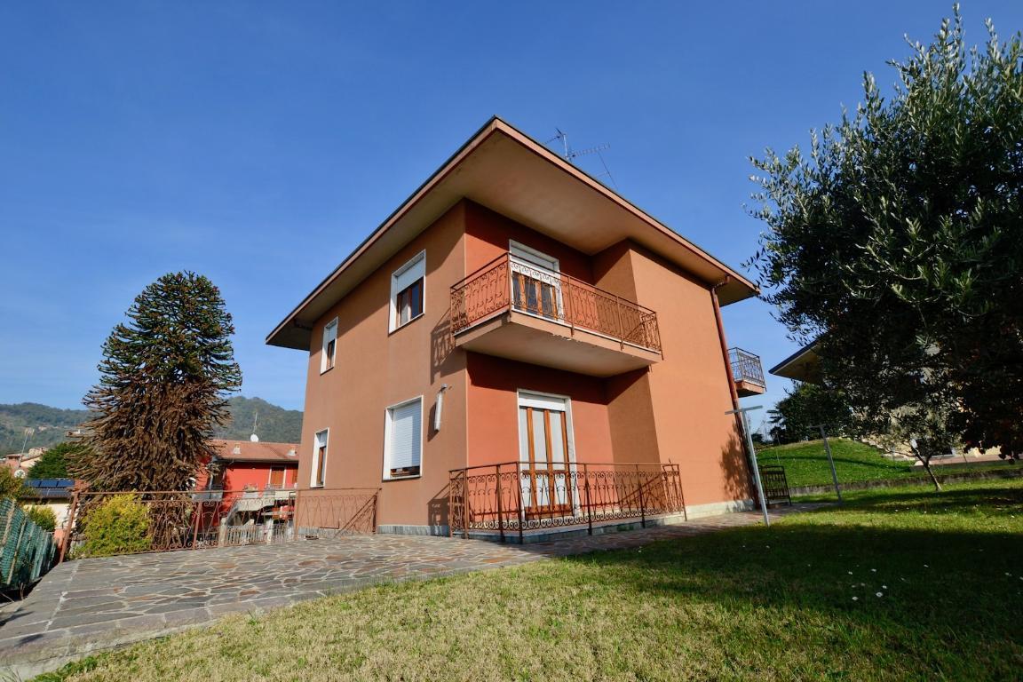 Villa in vendita a Villa d'Adda, 6 locali, prezzo € 275.000 | CambioCasa.it