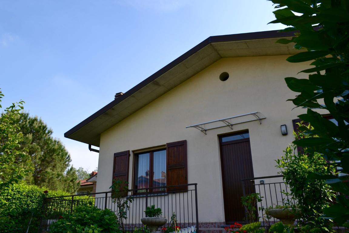 Villa in vendita a Palazzago, 4 locali, prezzo € 349.000 | CambioCasa.it