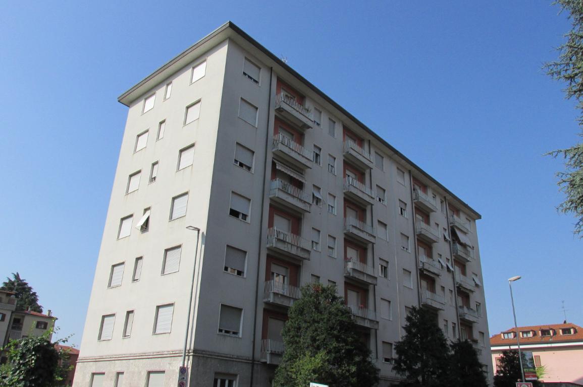 Bilocale Monza Via Cavallotti 101 4