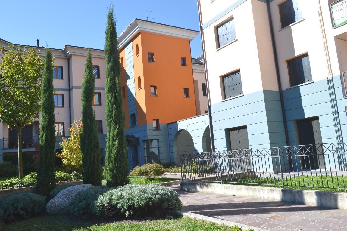 Appartamento in affitto a Cisano Bergamasco, 2 locali, zona Località: Centro, prezzo € 450 | Cambio Casa.it