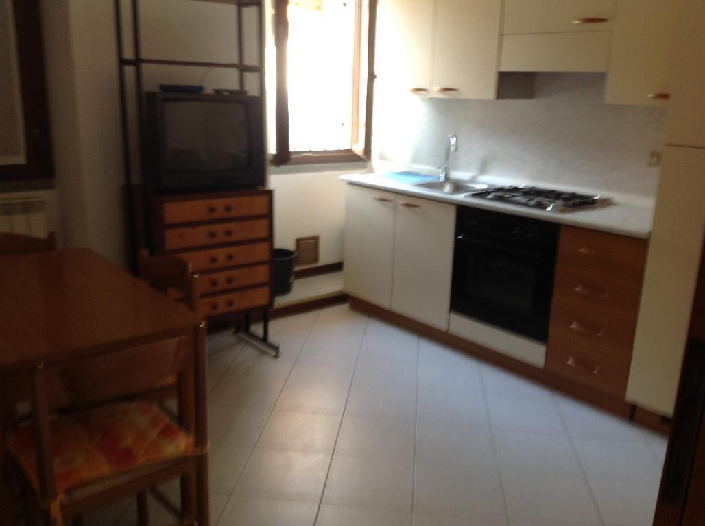 Appartamento in affitto a Villa d'Adda, 2 locali, prezzo € 350 | CambioCasa.it