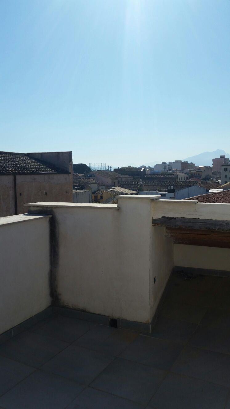 Bilocale Palermo Via Schiavuzzo 4
