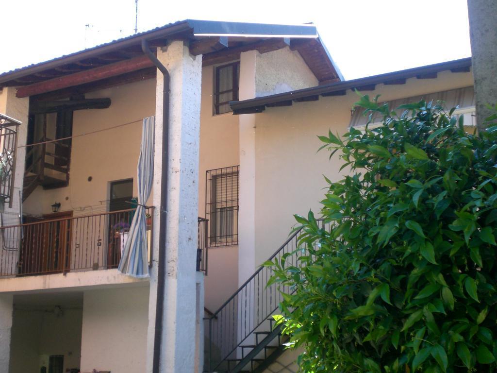 Bilocale Monticello Brianza Via Besozzi 4