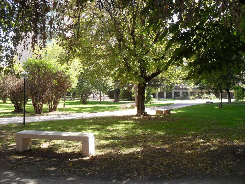 Bilocale Milano Via Fornari 3