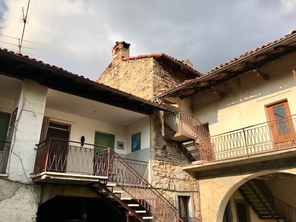 Soluzione Indipendente in vendita a Villa d'Adda, 4 locali, zona Località: centro, prezzo € 80.000 | CambioCasa.it