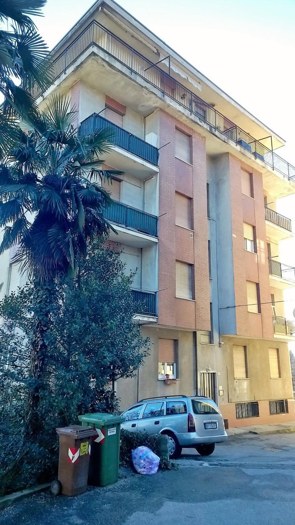Bilocale Albizzate Via Mazzini 8 3