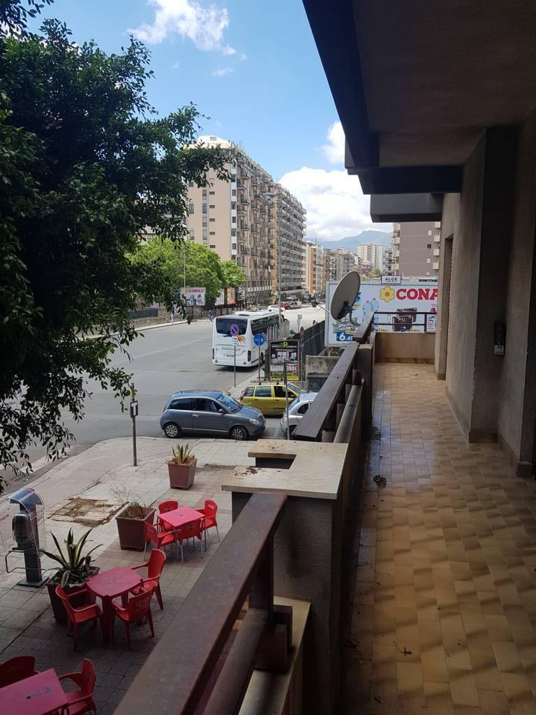 Appartamento PALERMO vendita  AUTONOMIA SICILIANA VIA AUTONOMIA SICILIANA PUNTO CASA VIRGA Srl