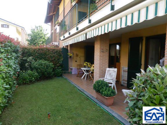 Appartamento in vendita a Lesmo, 3 locali, zona Località: FRAZIONE CALIFORNIA, prezzo € 240.000 | CambioCasa.it
