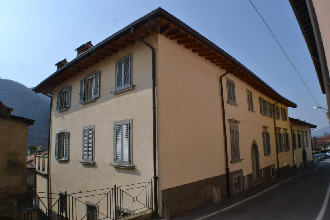 Appartamento in vendita a Pontida, 1 locali, zona Località: centro, prezzo € 60.000 | Cambio Casa.it