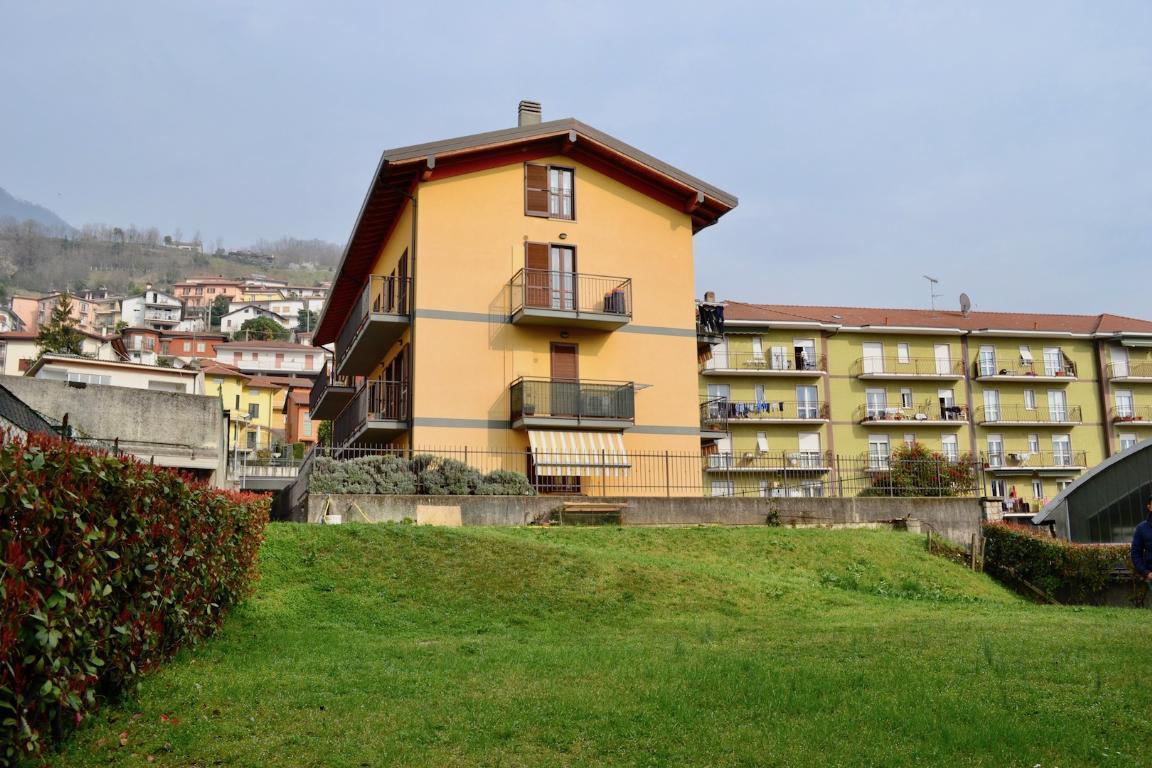 Appartamento in vendita a Calolziocorte, 2 locali, zona Località: centro, prezzo € 160.000 | CambioCasa.it