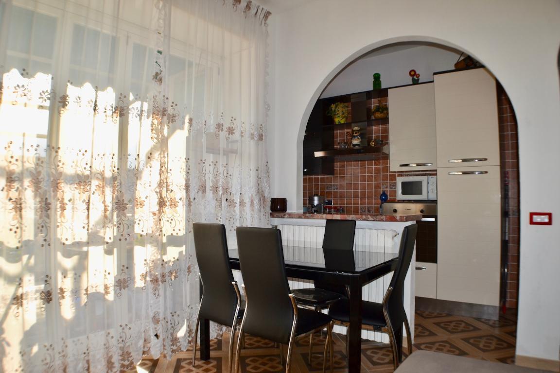 Appartamento in vendita a Calolziocorte, 2 locali, prezzo € 80.000 | CambioCasa.it