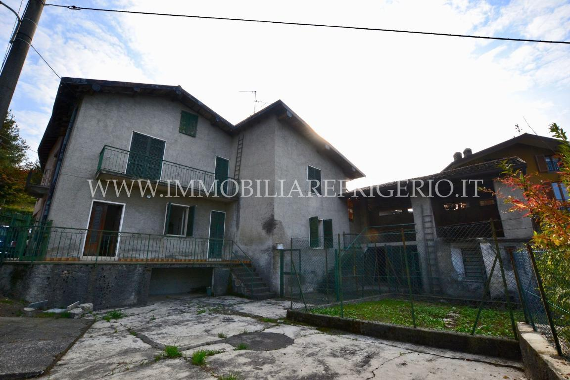 Vendita casa indipendente Caprino Bergamasco superficie 166m2