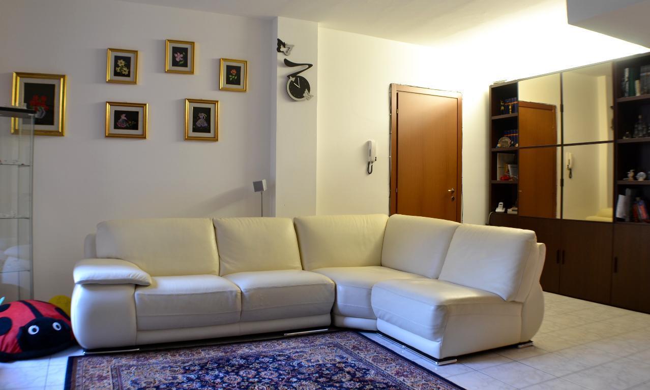 Appartamento in vendita a Villa d'Adda, 3 locali, prezzo € 110.000 | Cambio Casa.it