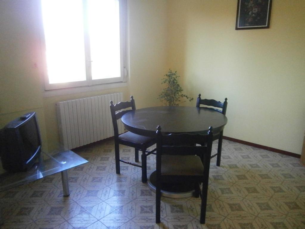 Bilocale Lomagna Via Pascoli 4 4