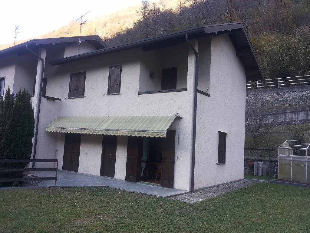 Villa Tri-Quadrifamiliare in Vendita a Primaluna