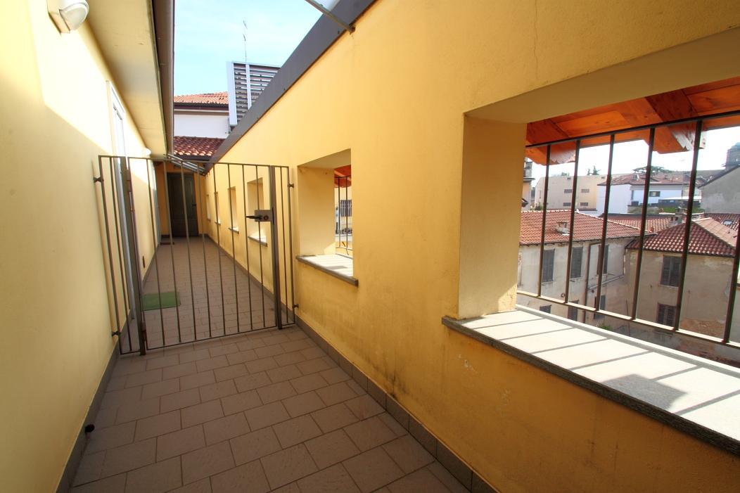 Bilocale Monza Via Manzoni 1 4