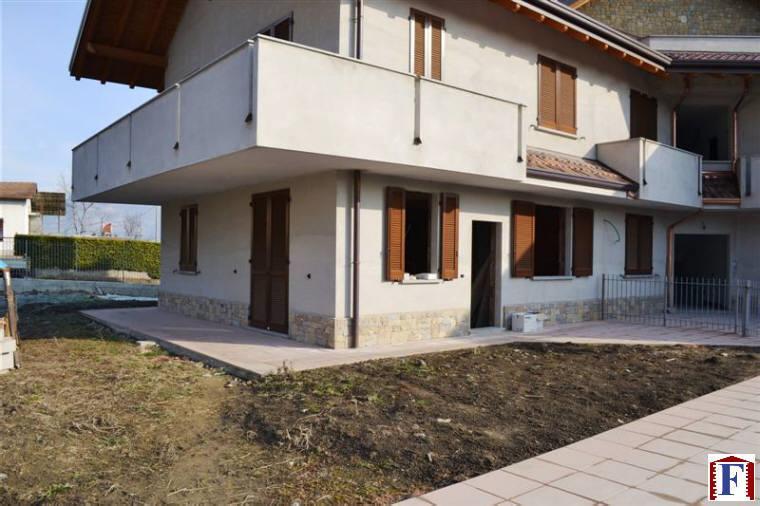 Appartamento in vendita a Airuno, 3 locali, zona Località: Centro, prezzo € 216.000 | Cambio Casa.it