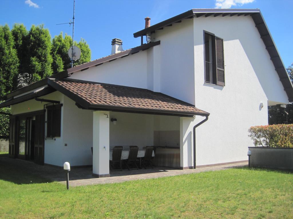 Villa in vendita a Inverigo, 5 locali, prezzo € 470.000 | CambioCasa.it