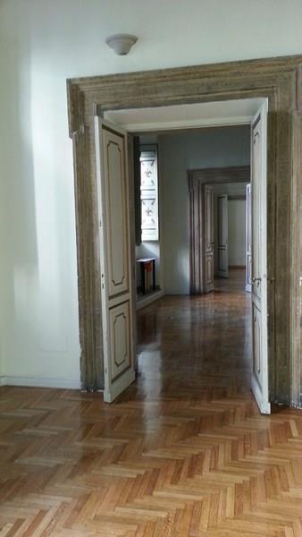 Affittasi ufficio con soffitti affrescati in zona Piazza del Gesù a Roma