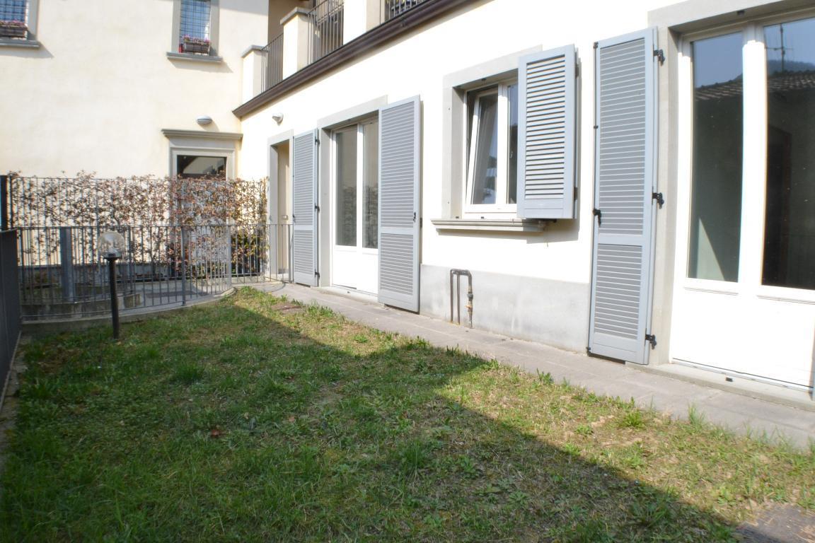 Appartamento in vendita a Pontida, 3 locali, zona Località: centro, prezzo € 150.000 | Cambio Casa.it