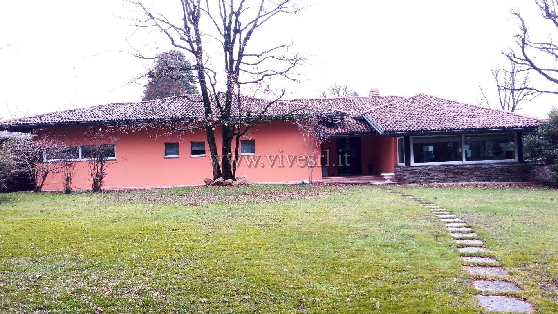 Villa in Vendita a Cabiate