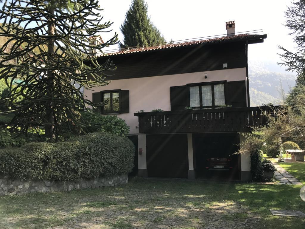 Villa in Vendita a Introbio