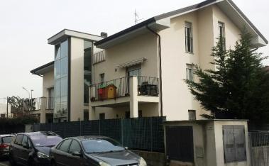 Appartamento in affitto a Mariano Comense, 3 locali, zona Zona: Perticato, prezzo € 500 | Cambio Casa.it
