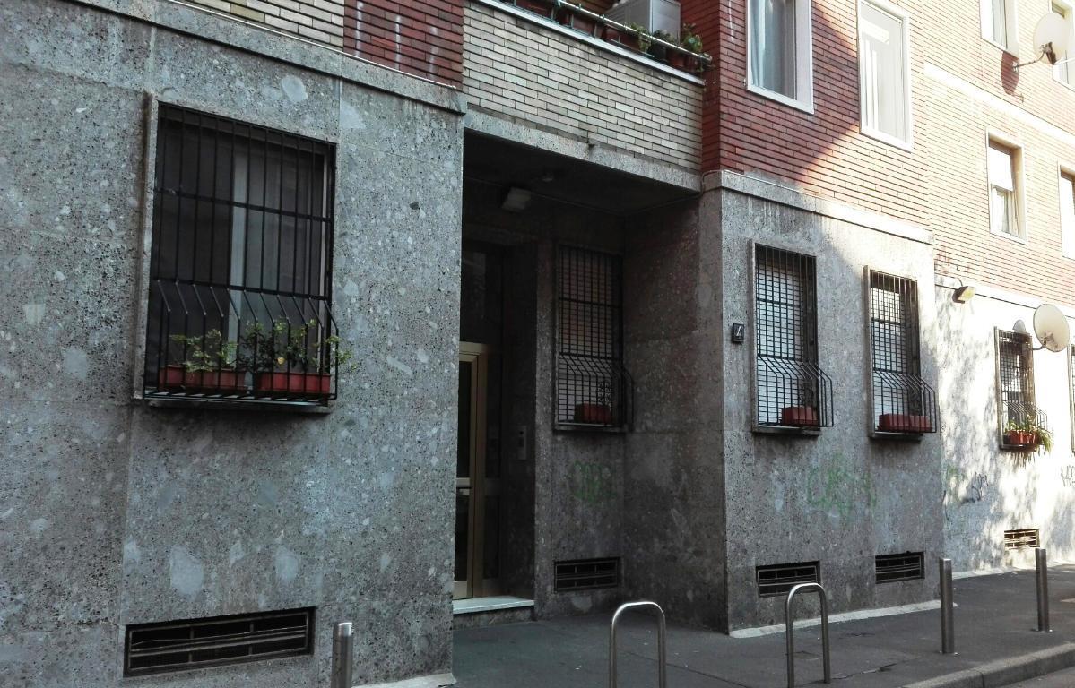 Bilocale Milano Via Del Castagno 4 5