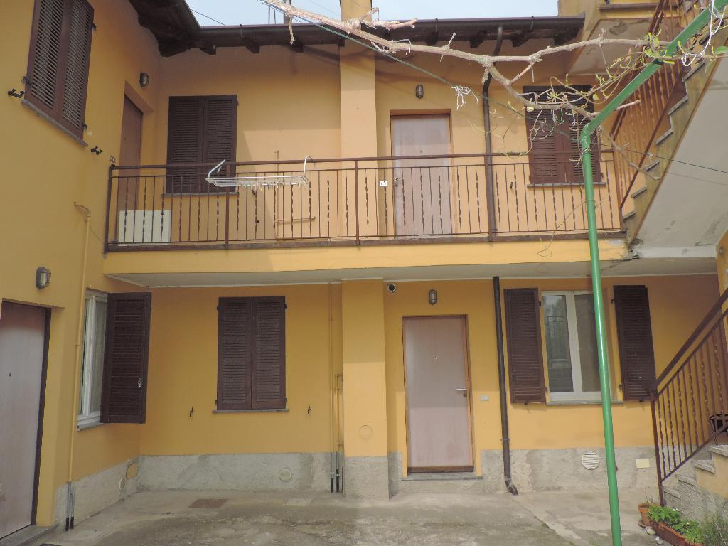 Appartamento in affitto a Olginate, 2 locali, prezzo € 350   Cambio Casa.it