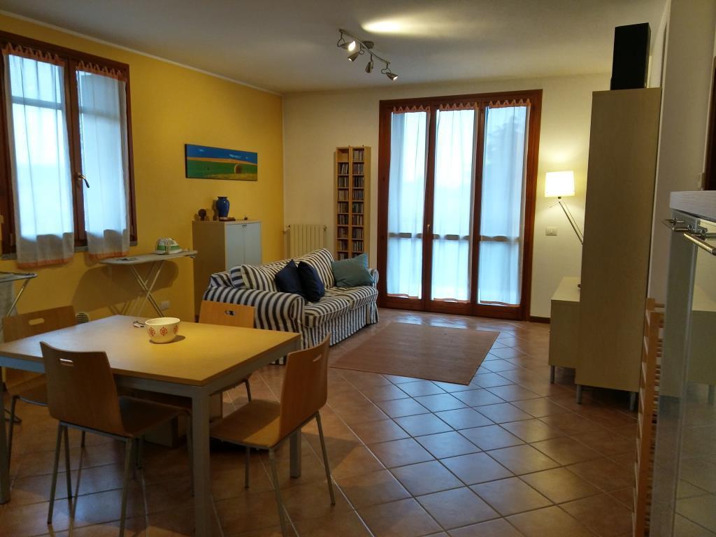Appartamento in vendita a Rho, 3 locali, zona Zona: Lucernate, prezzo € 140.000 | CambioCasa.it