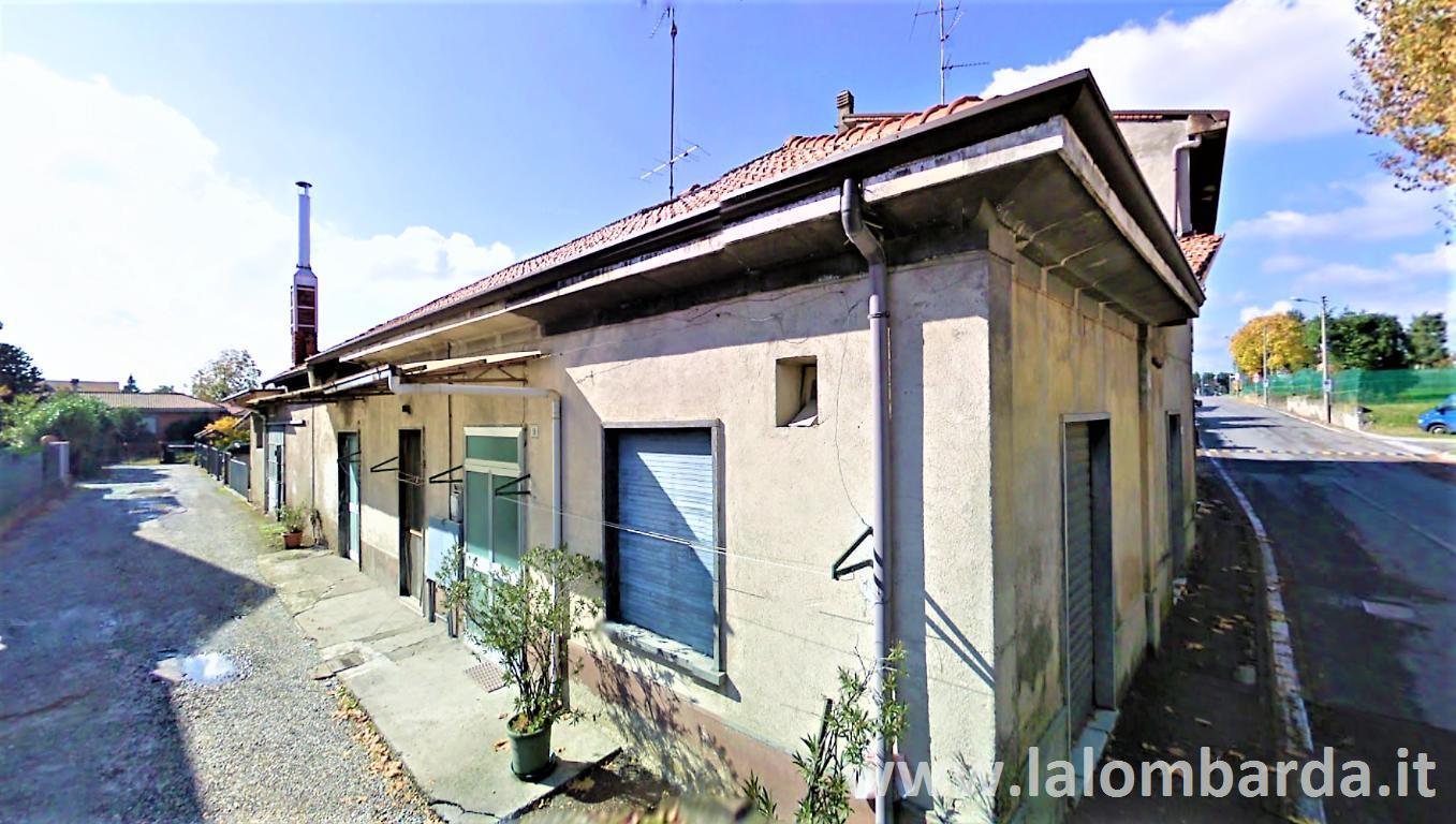 Laboratorio in Vendita a Giussano: 5 locali, 300 mq