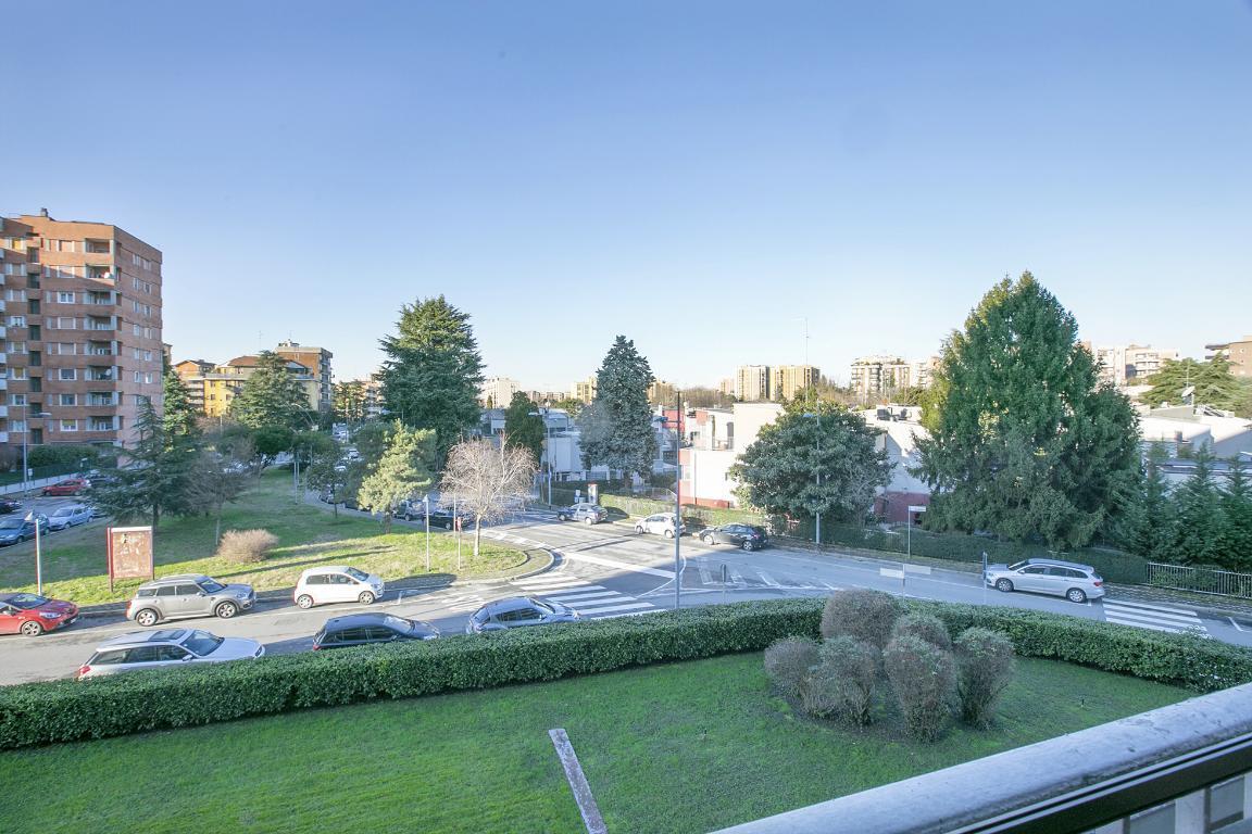 Appartamento in Vendita a San Donato Milanese: 3 locali, 127 mq