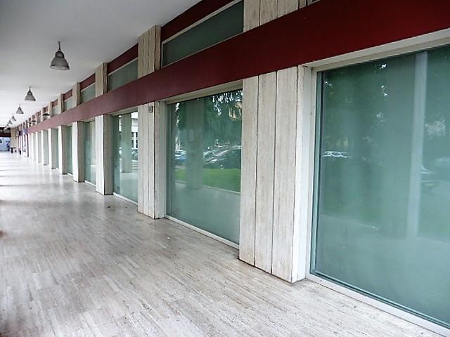 Ufficio-studio in Vendita a Cologno Monzese:  5 locali, 380 mq  - Foto 1