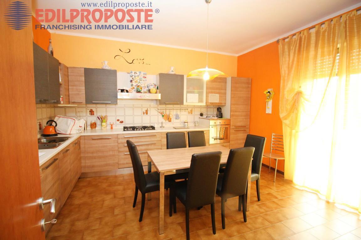 Vendita Trilocale Appartamento Lazzate Via Roma  160684