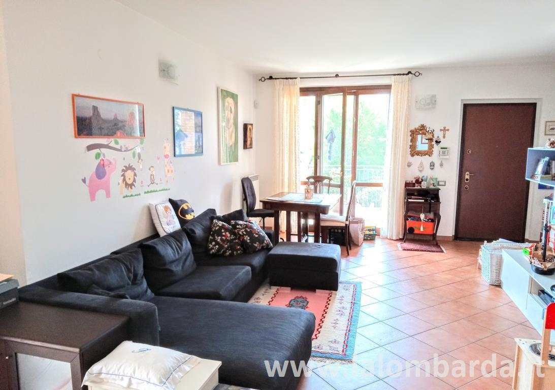 Appartamento in Vendita a Casatenovo: 3 locali, 107 mq