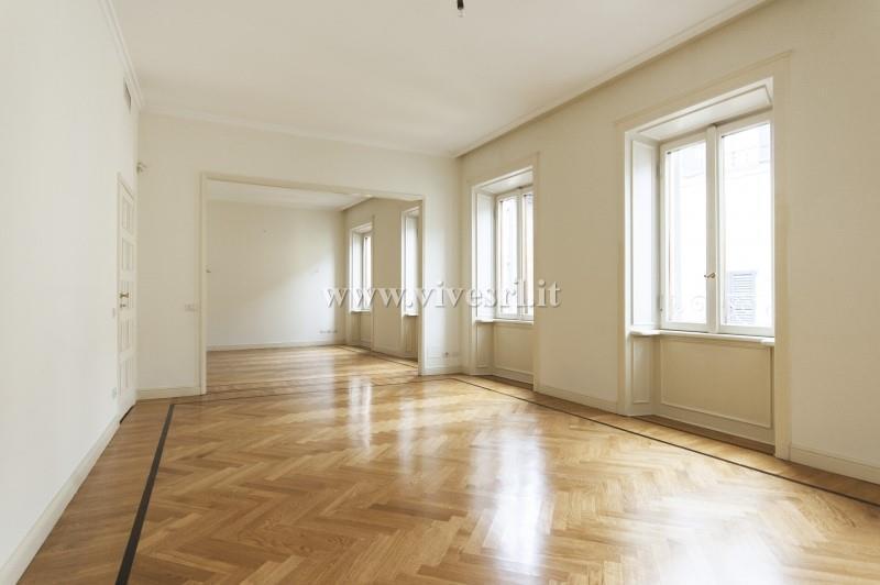 Appartamento in Affitto a Milano 08 Vercelli / Magenta / Cadorna / Washington: 5 locali, 318 mq