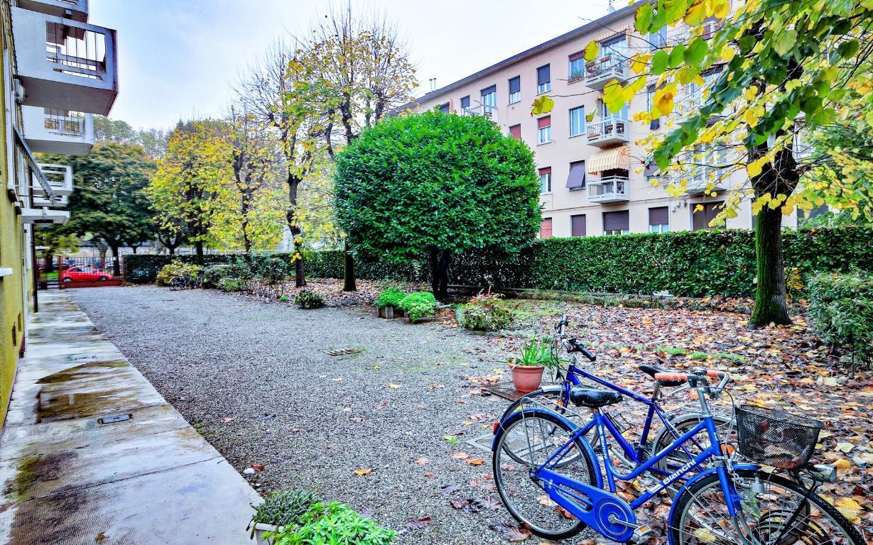 Appartamento in Vendita a Monza: 4 locali, 100 mq