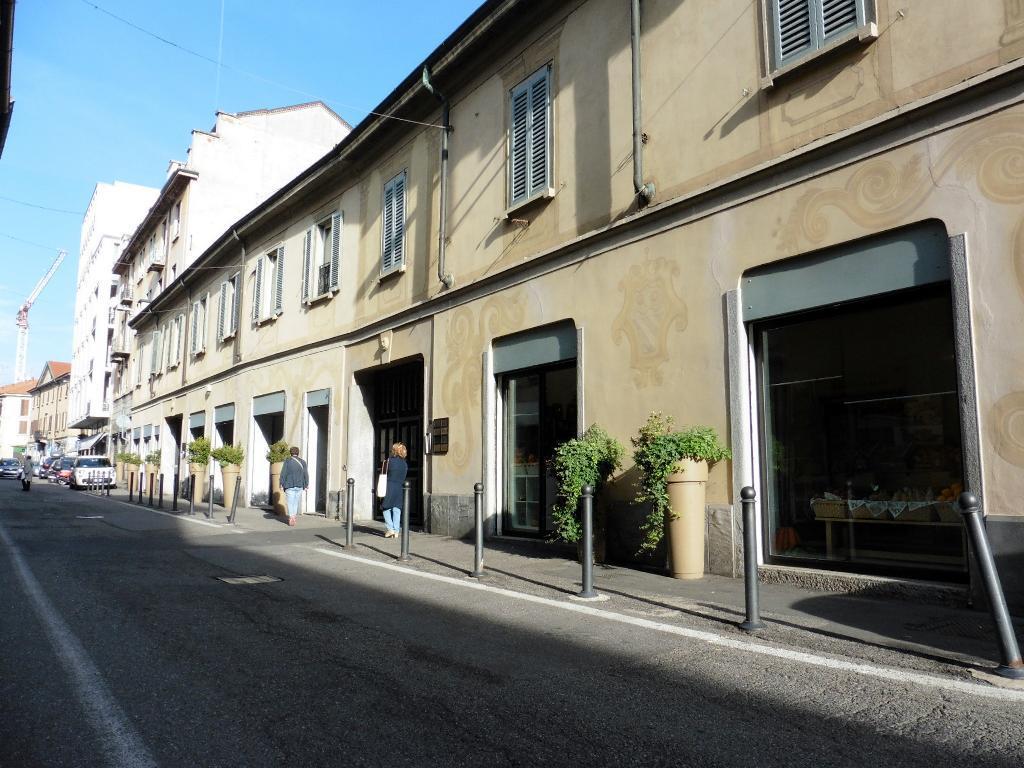 Ufficio-studio in Affitto a Monza: 2 locali, 82 mq