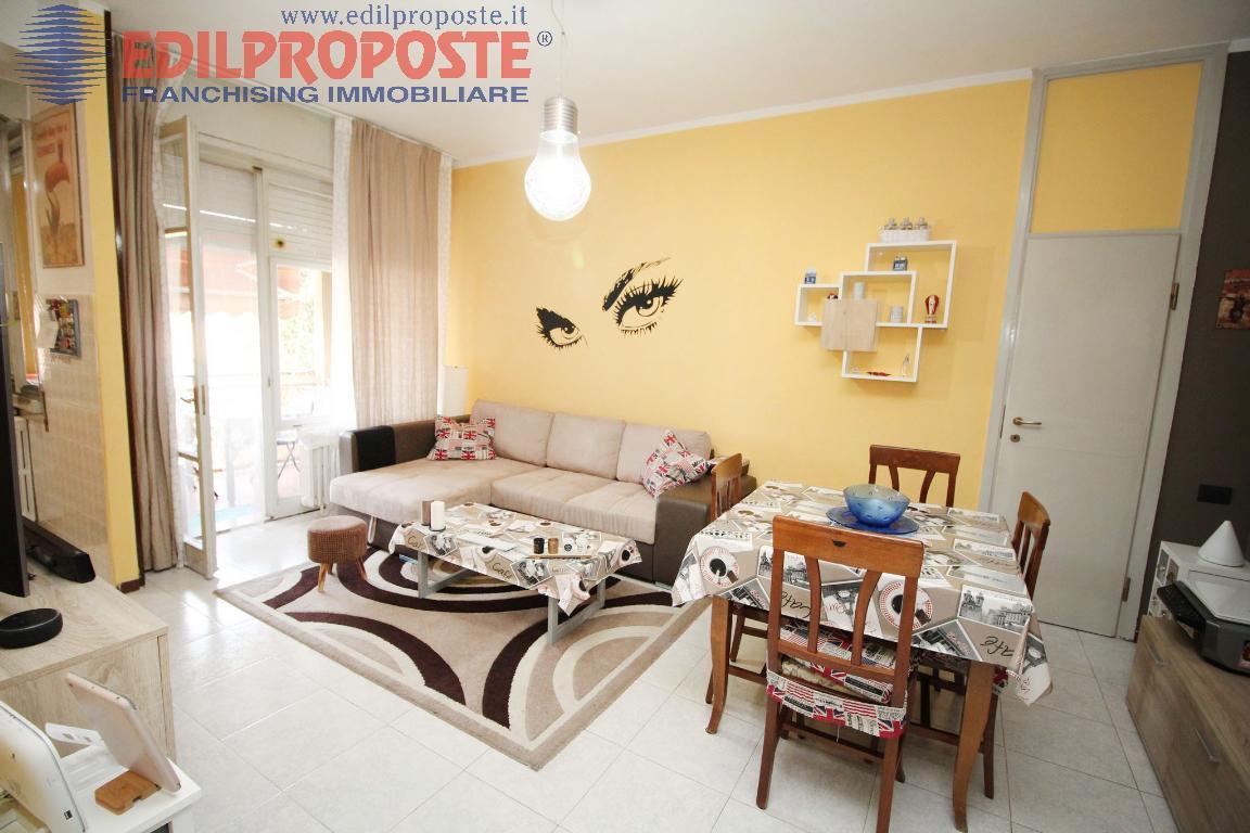 Vendita Trilocale Appartamento Lazzate via Libertà  156449