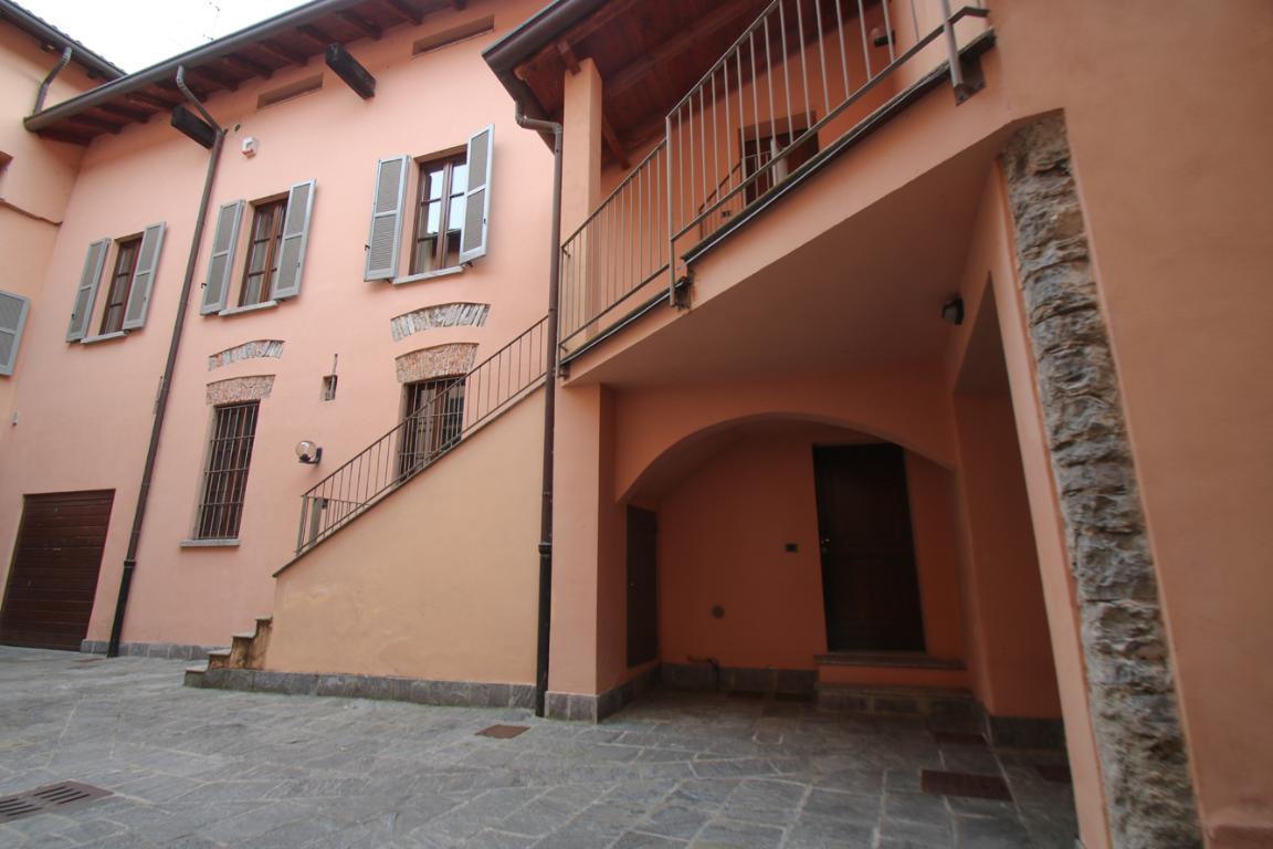 Appartamento in Vendita a Como: 4 locali, 272 mq - Foto 9