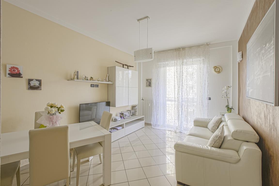 Appartamento in Vendita a San Donato Milanese: 3 locali, 65 mq