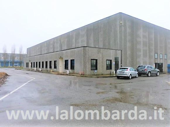 Capannone in Vendita a Carpiano: 2 locali, 7983 mq