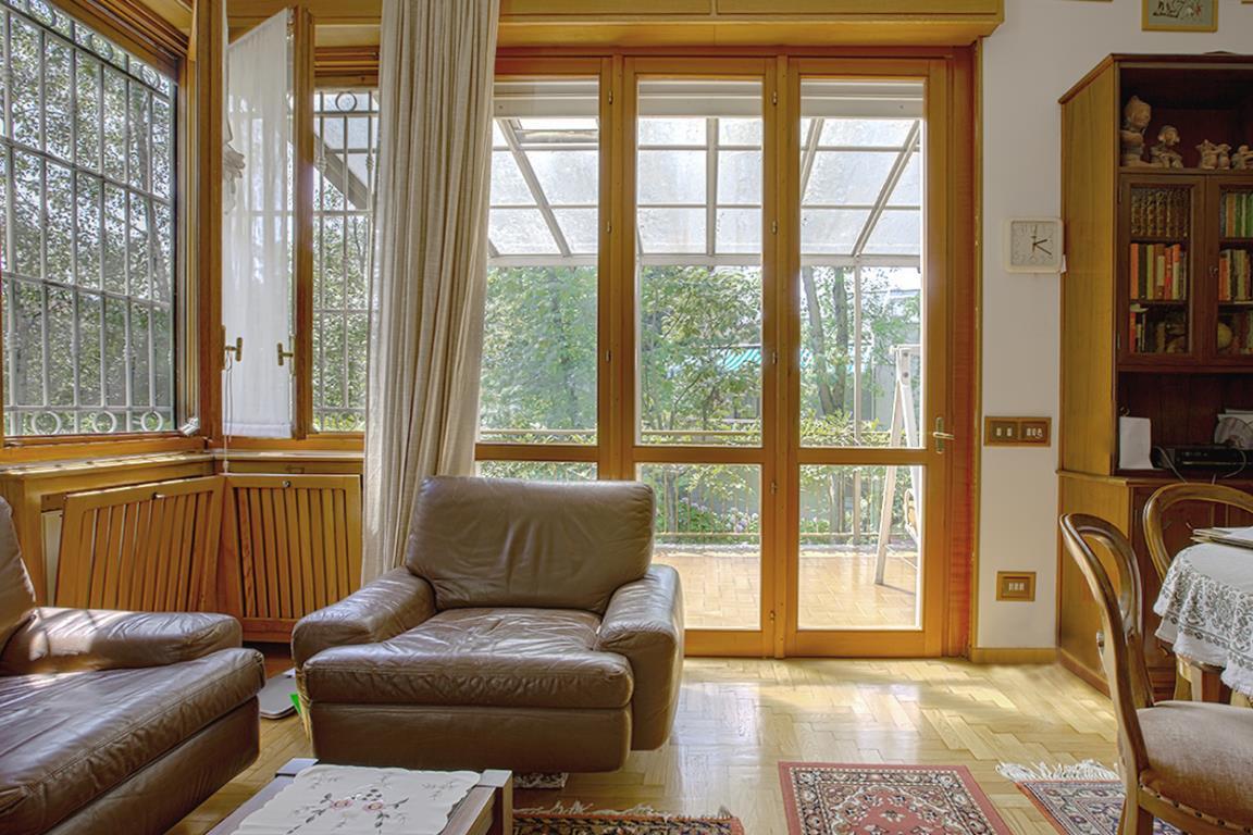 Villa in Vendita a San Donato Milanese:  5 locali, 221 mq  - Foto 1