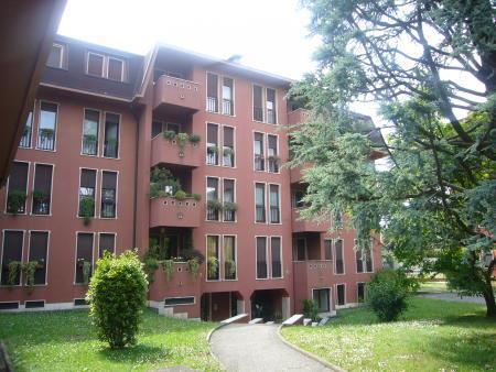 Appartamento in Vendita a Biassono: 3 locali, 98 mq